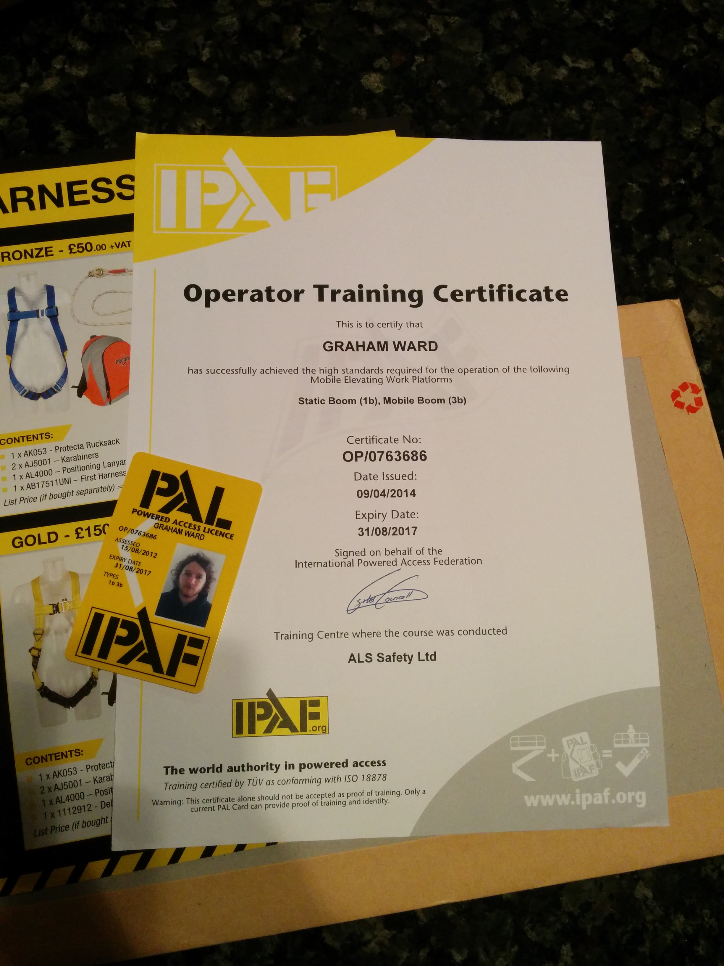 Image of new IPAF card and IPAF certificate
